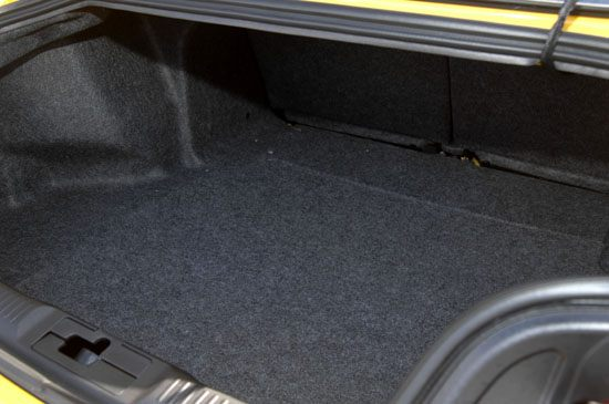 2015 Mustang trunk close up