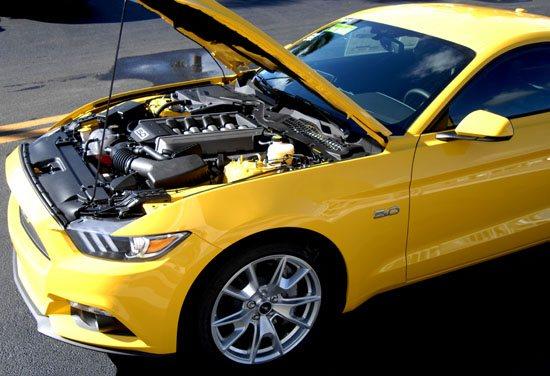 2015 Mustang hood up
