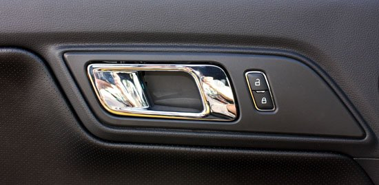 2015 Mustang inside door handle