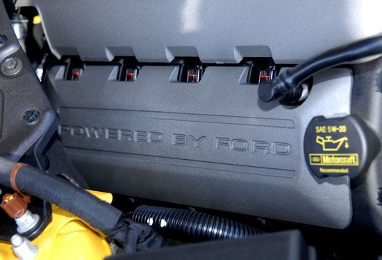 2015 Mustang engine close up