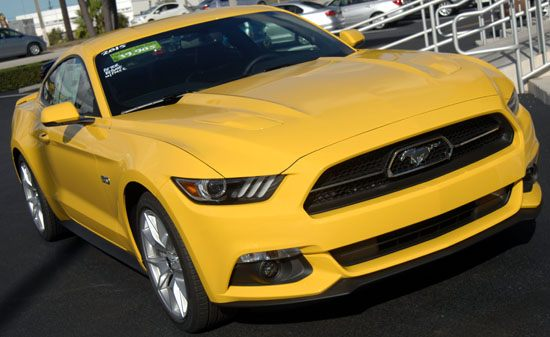 2015 Mustang front right