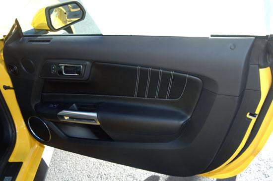 2015 Mustang inside right door panel