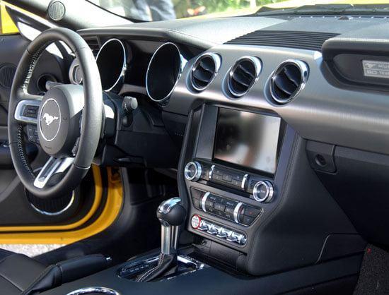 2015 Mustang dash board