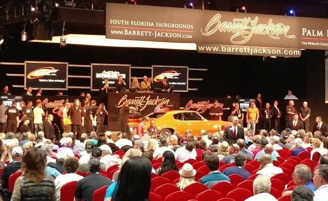crowd at barrett-jackson palm beach