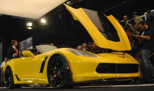 First 2015 Production Corvette Z06 at Barrett-Jackson auction - Picture 2