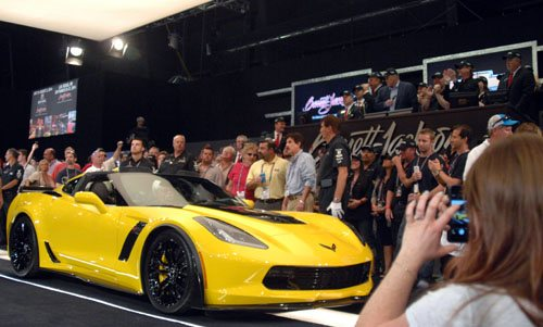 First 2015 Production Corvette Z06 at Barrett-Jackson auction - Picture 4