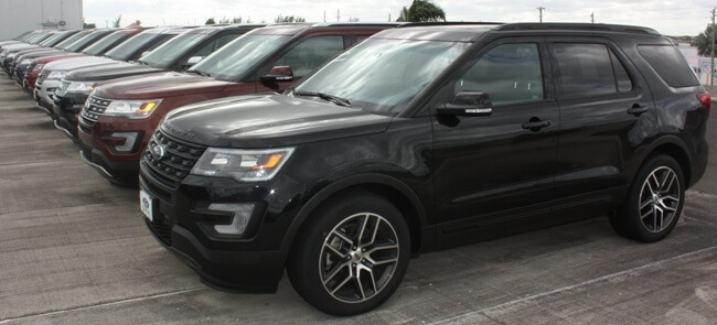 ford explorers on car lot