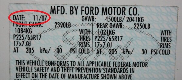 Manufacturers date sticker - ford